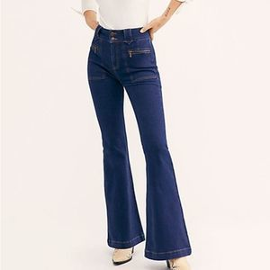Free People Layla Flare Jeans Farrah Blue NWT | 29